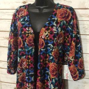 "LuLaRoe ""Lindsay"" Kimono - Size Small, Roses"